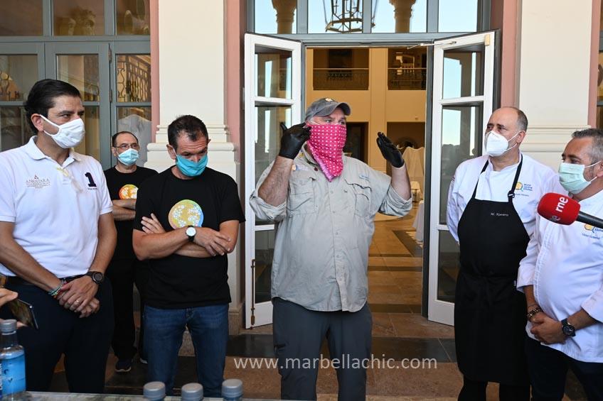 El chef José Andres entrega la comida 2.000.000 en Marbella