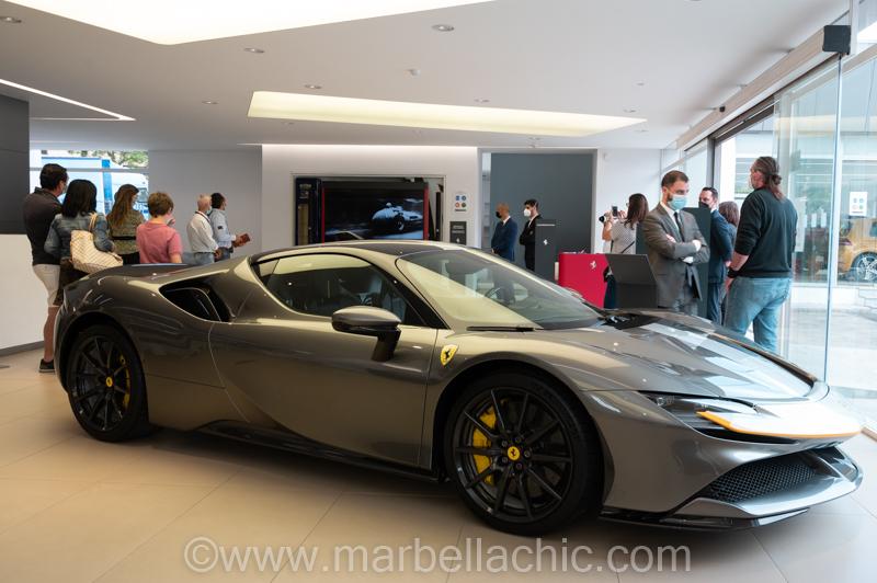 Universo Ferrari en C. de Salamanca Marbella