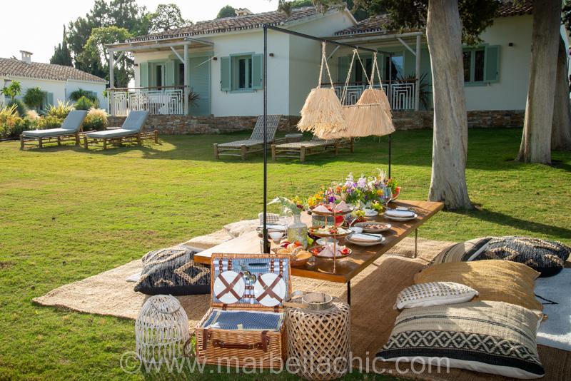 boho club marbella picnic