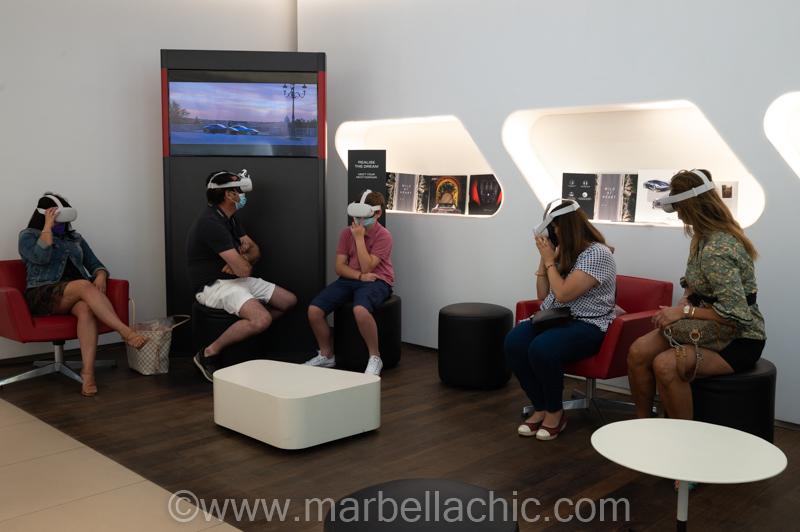 equipamiento multimedia en ferrari marbella