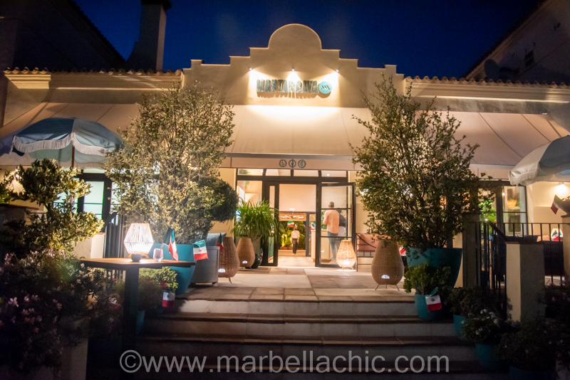Gran fiesta mexicana en el restaurante Mantarraya Marbella