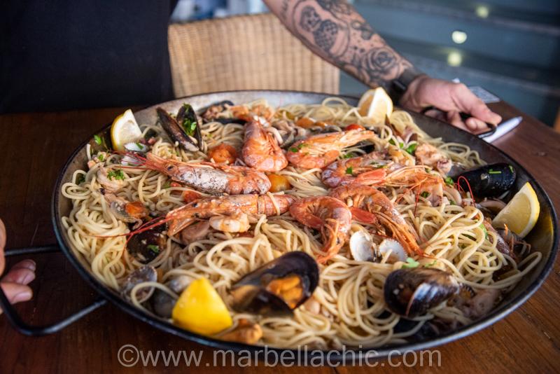 Degustación de nuevo plato en Daytona Motor Passion Marbella
